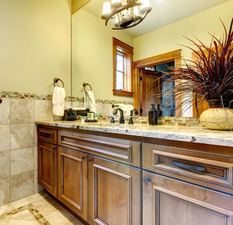 Bathroom Cabinets & Countertops in Wisconsin