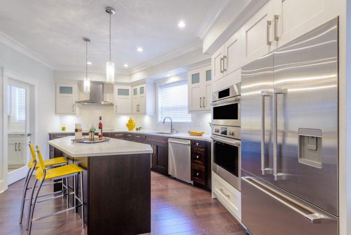 Summer Kitchen - Stainless Steel Appliances