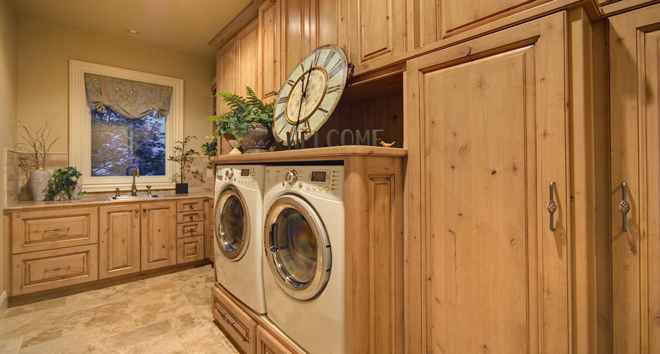 Wood Laundry Room in Madison & Waukesha, WI